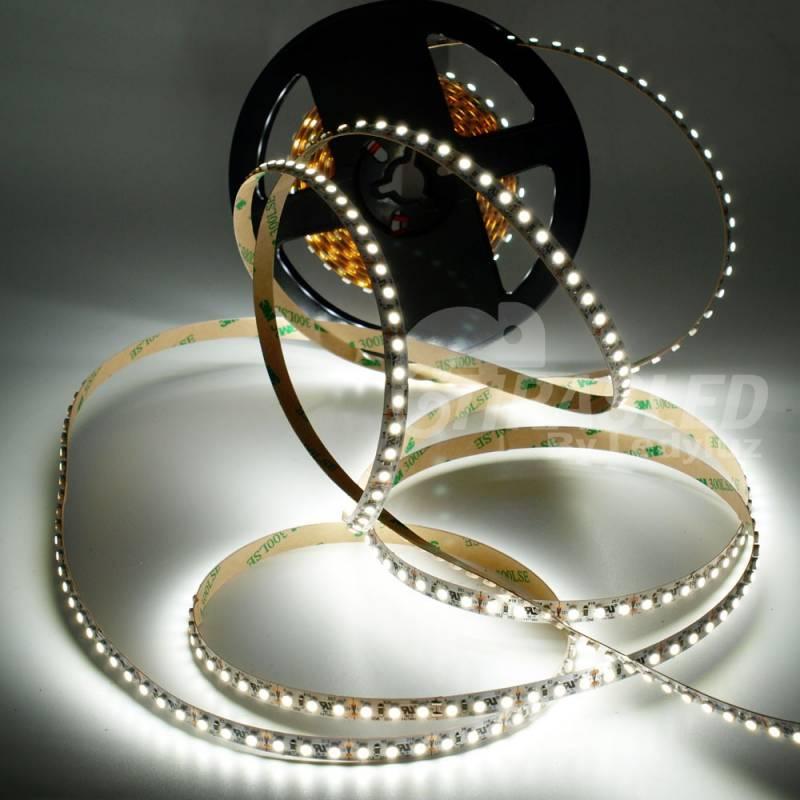 Tira de LED 12V 9,6W/m IP20 Luz Blanca 6000K encendida y suelta