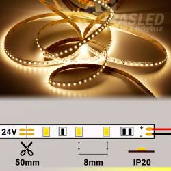 Rollo de Tira LED 24V 9,6W 120 LEDs/m 3528 3000K encendido y con medidas de corte