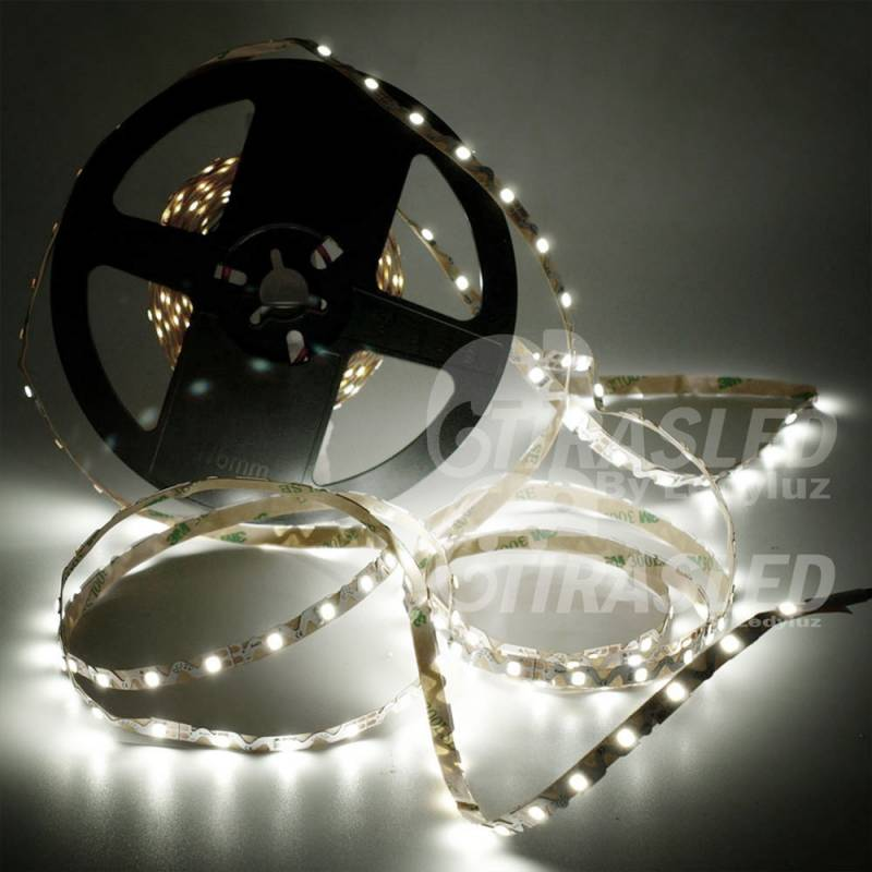 Tira de LED Flexible S 12V 11W IP20 Luz Blanca 6000K encendida en rollo desplegado