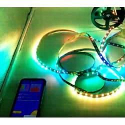 Imagen de controlador led pixel por musica de app via smartphone y bluetooth en funcionamiento con smartphone
