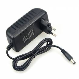 Alimentador Enchufe LED IP20 60W 5A 12V